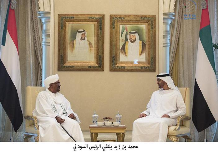 محمد بن زايد يستقبل الرئيس السوداني
