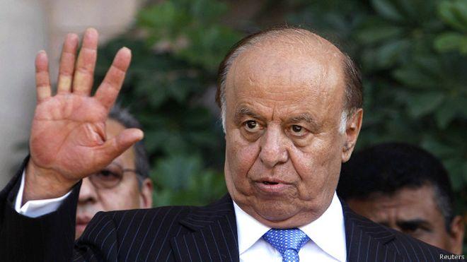 الحكومة اليمنية تعقد صفقة لشراء أسلحة تمهيداً لتحرير تعز