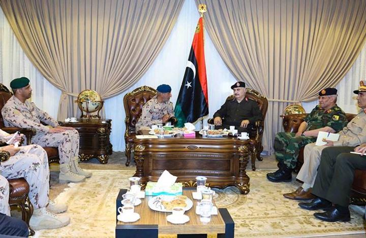 نائب رئيس الأركان الإماراتي يلتقي حفتر في بنغازي