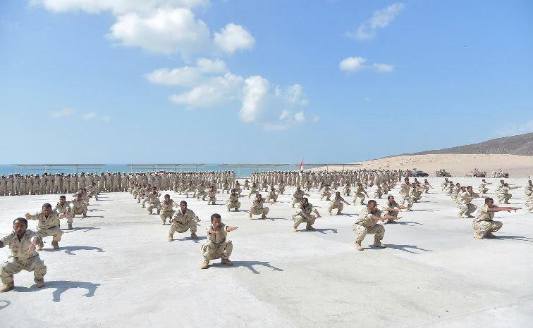 اسوشيتد برس: 5000 جندي أمريكي في الإمارات في وقت تقوم بفتح قواعد عسكرية بالخارج!