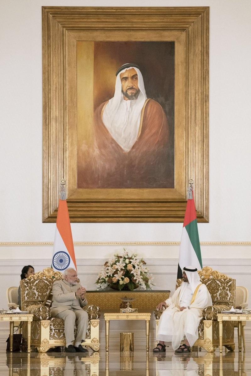 محمد بن زايد يستقبل رئيس وزراء الهند ويبحث معه تعزيز العلاقات الثنائية