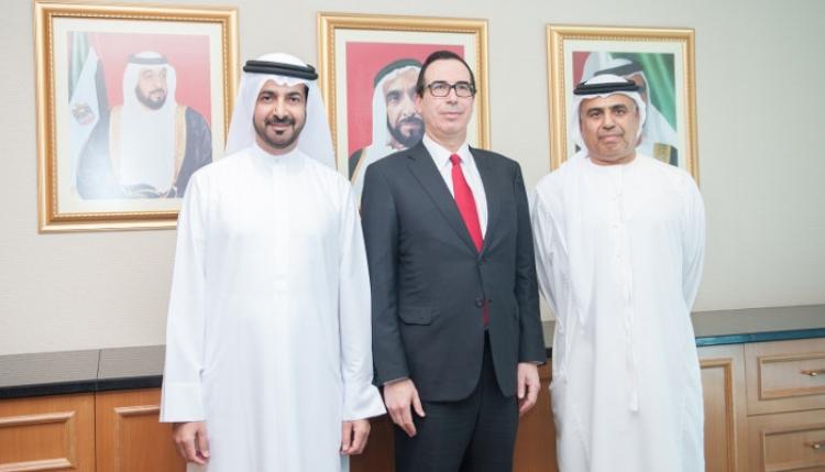 وزير الخزانة الأمريكي يبحث مع وزير المالية الإماراتي تعزيز التعاون المشترك