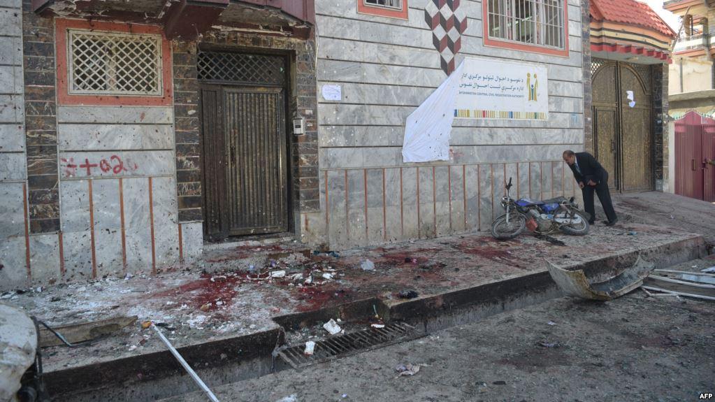 الإمارات تدين الهجوم الانتحاري في كابول