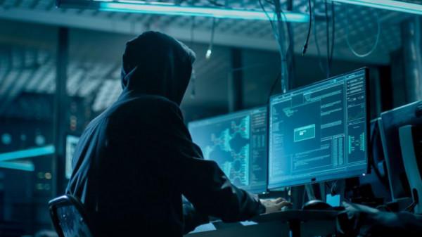 بعد الكشف عن برامج التجسس الإماراتية...تشريع أمريكي لمعاملة التكنولوجيا الإلكترونية الأميركية كالأسلحة