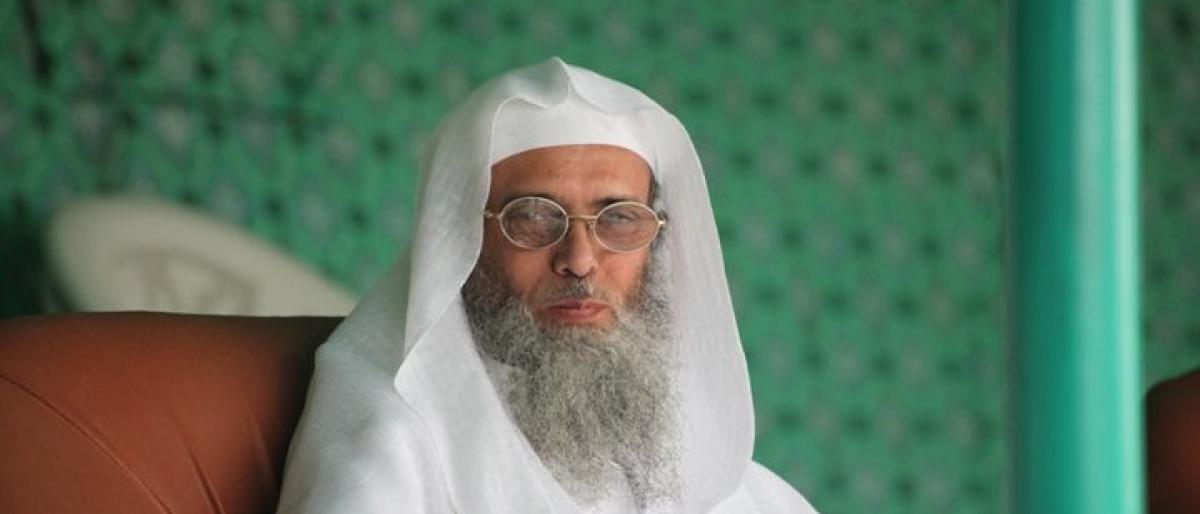 السعودية تعتقل الداعية سفر الحوالي وأبناءه بسبب كتاب ينتقد سياسات بلاده و الإمارات