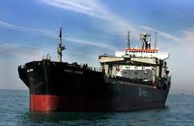 إيران تهدّد بإيقاف عبور ناقلات النفط في الخليج العربي إذا مُنعت من التصدير