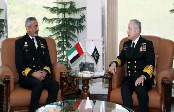 الإمارات وباكستان تعززان التعاون بين قواتهما البحرية