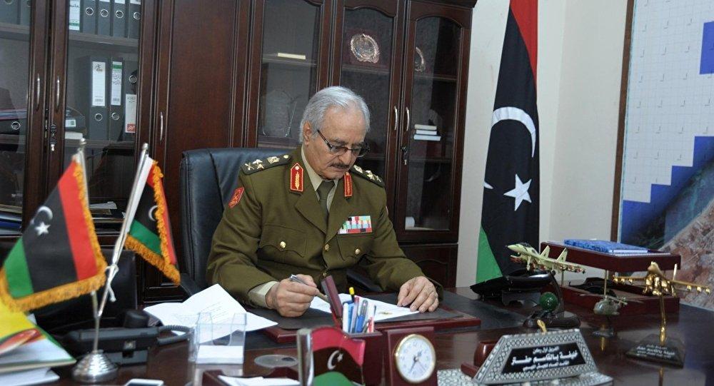 بعد فشل هجومه على طرابلس...الإمارات تقود تحركات لمنح حفتر حق بيع النفط الليبي