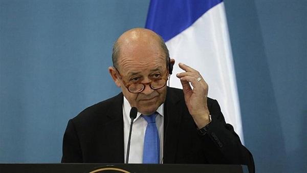 وزير الخارجية الفرنسي يطالب السعودية والإمارات بإنهاء