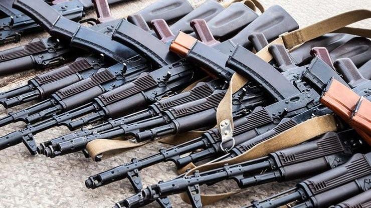 السلطات العراقية تحبط تهريب حاوية أسلحة ضمن شحنة قادمة من الإمارات