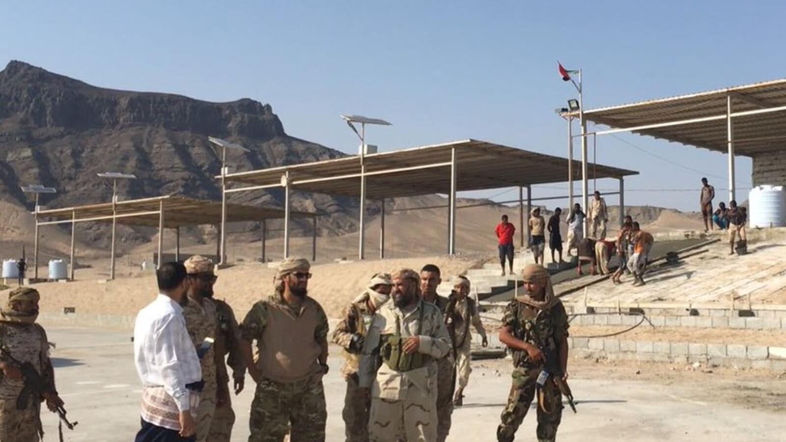 حاكم سقطرى اليمنية يجدد رفضه إنشاء حزام أمني في الجزيرة