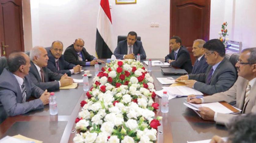 الحكومة اليمنية: لا حوار قبل انسحاب قوات