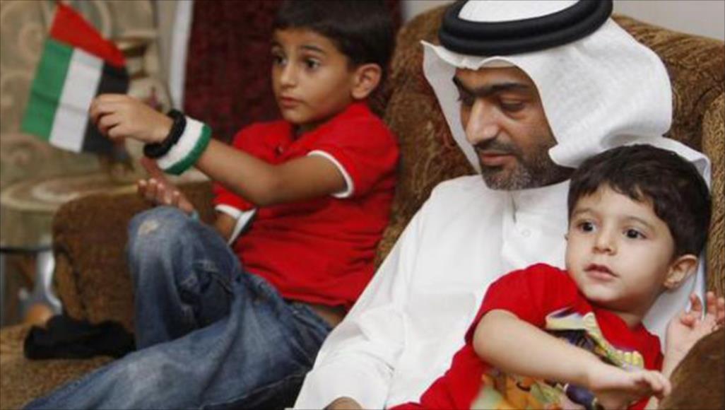 إدارة سجن الرزين تواصل الانتهاكات بحق الناشط أحمد منصور رغم تدهور وضعه الصحي