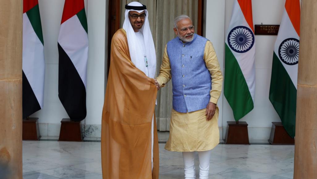 وسط تصاعد أزمة كشمير.. الإمارات تقلد رئيس وزراء الهند أرفع وسام مدني