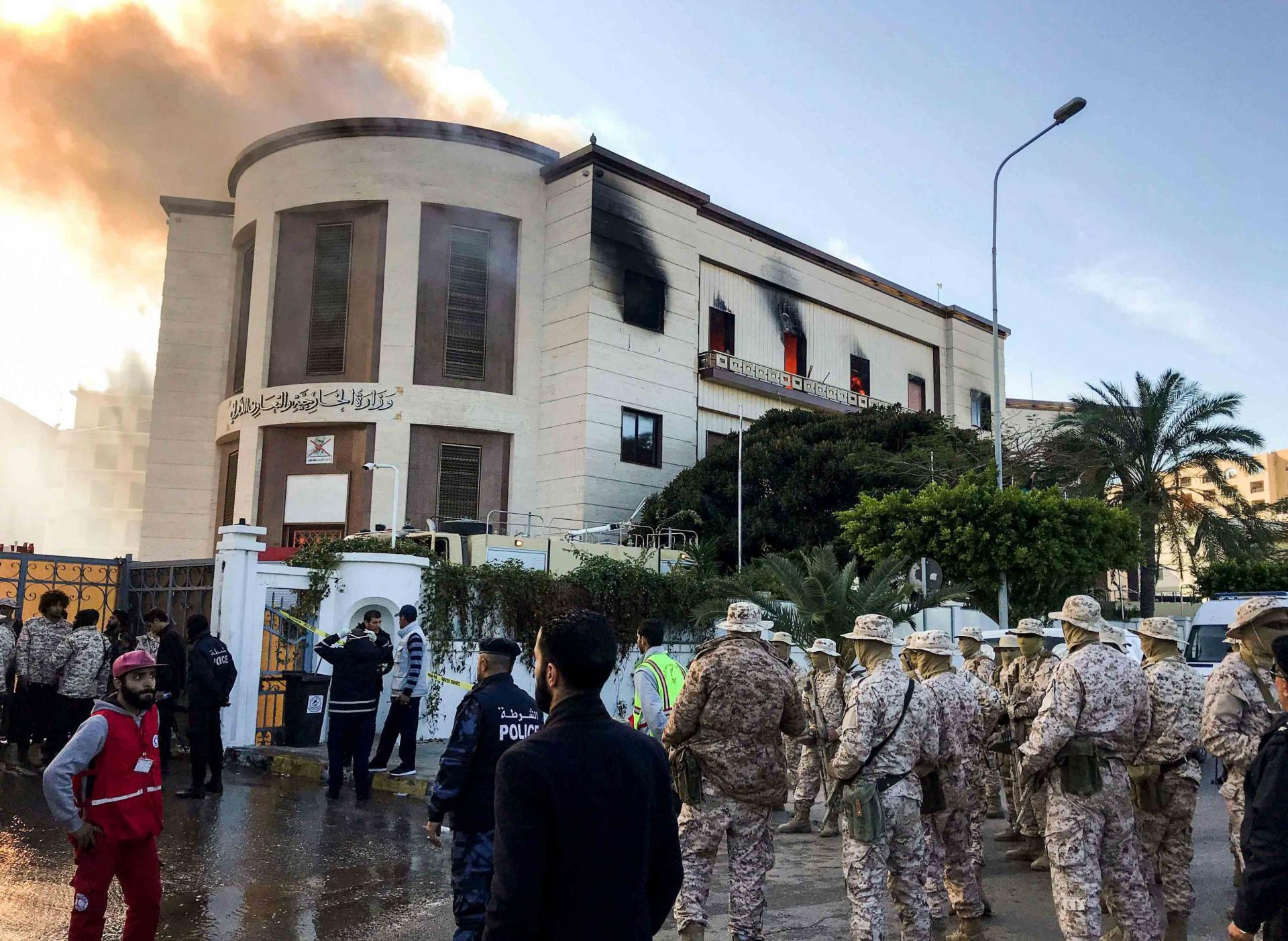الإمارات تدين الهجوم على مقر وزارة الخارجية الليبية
