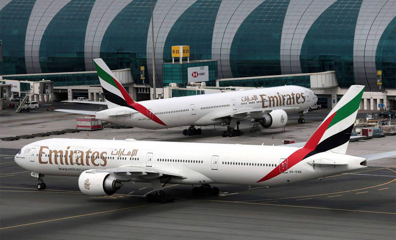 الإمارات تتحقق من شهادات طيارين باكستانيين يعملون بخطوطها الجوية بعد كشف عمليات تزوير لمؤهلاتهم