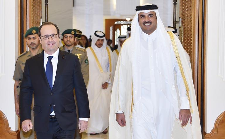 قطر تشتري ٢٤ طائرة رافال بعد مباحثات بين أمير قطر وأولاند